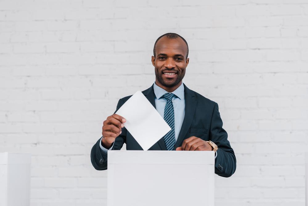 https://www.vivote.gov/sites/default/files/revslider/image/man_voting.jpg